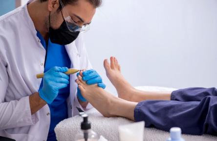 6 Ways to Prevent Fungal Foot Infections
